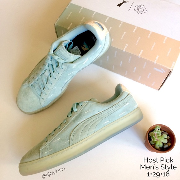 sports shoes ed35a 7dc5b HP🎉PUMA Suede v2 Pink Dolphin sneakers NWT